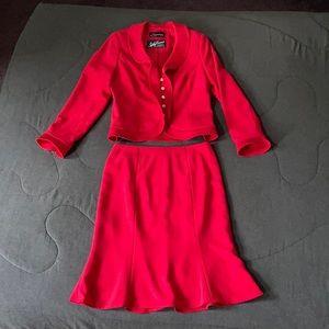 Designer Frascara Scarlet Sz 6 Skirt Suit